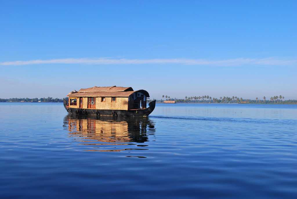 The backwaters at Aalapuzha (Alleppey)